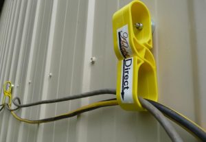 Adept Magnetic Lead Hanger - Yellow