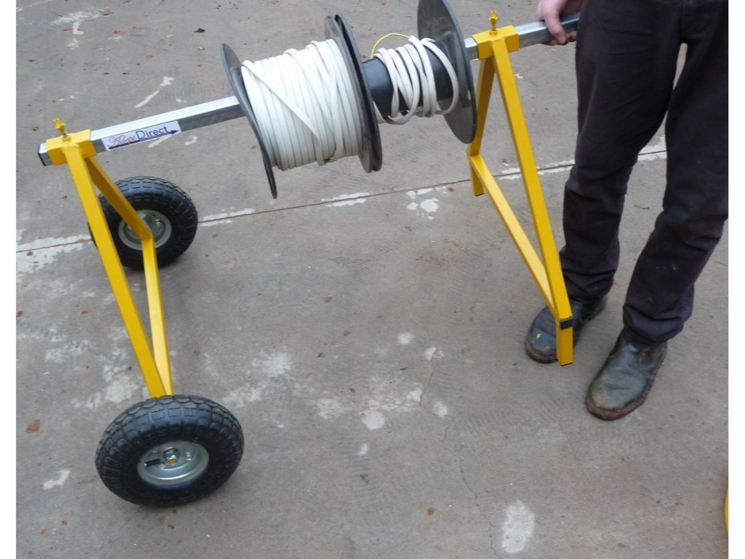 Mobile Cable Drum Roller